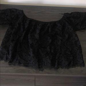 Black lacy sleeve crop top